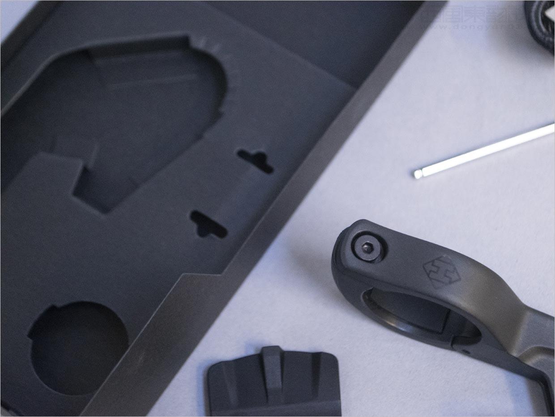 美国Hammerhead电子产品包装盒内部结构包装设计